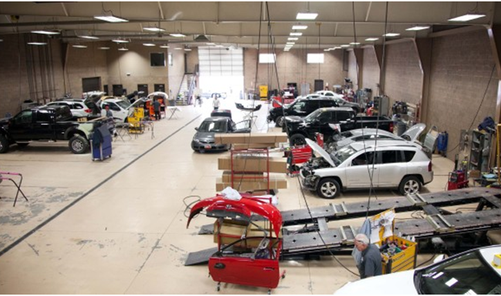 Things to consider while choosing the best auto repair services